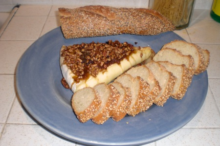 baked-briez-nuts-served-2