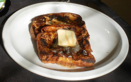 french-toast-served-32