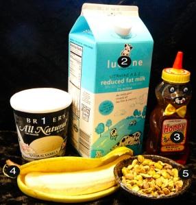 banana-milkshake-prep