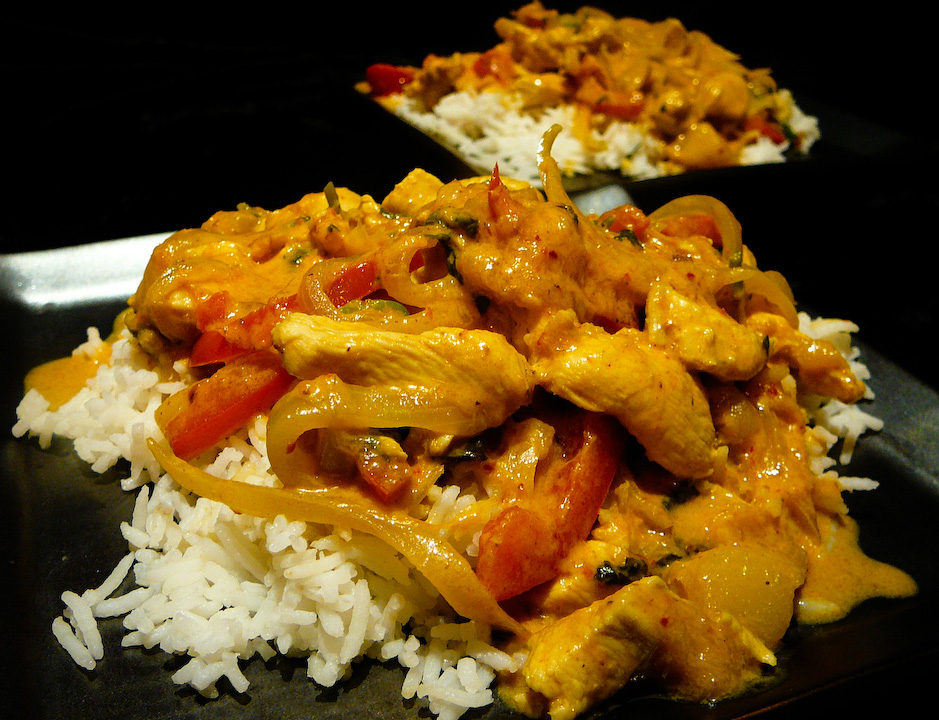 Ottoman FOODS: BANGO YOUR MANGO CHICKEN CURRY