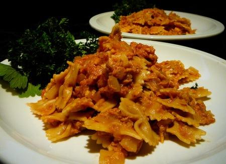 tuna bowtie pasta served