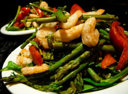 shrimp asparagus salad served